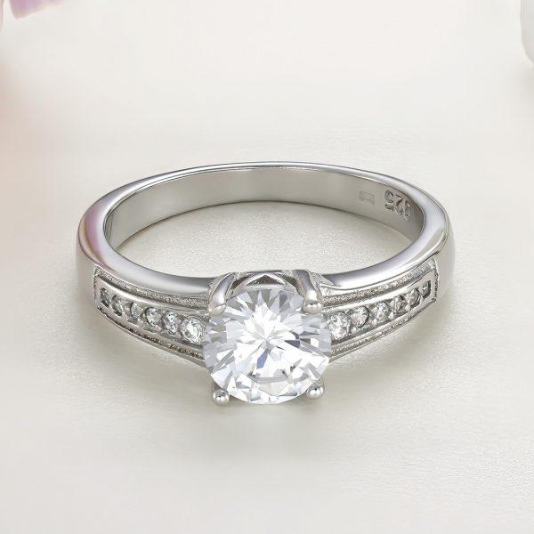 Inel logodna argint cu pietre Solitar cu pietre laterale - ICR0031