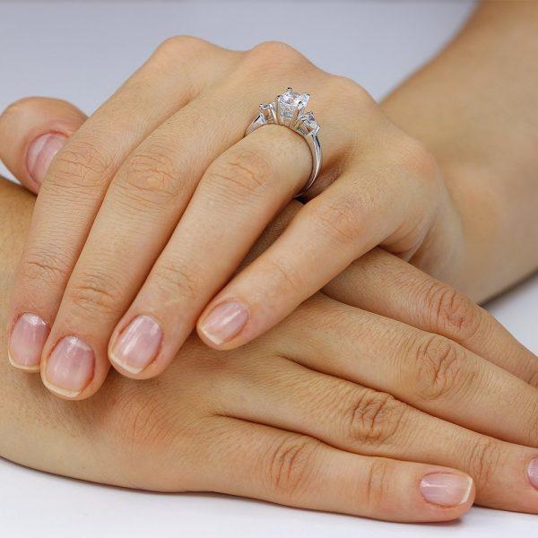 Inel de logodna argint cu 3 cristale TRSR004, Bijuterii - Corelle