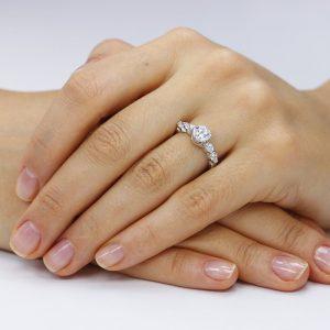 Inel de logodna argint Solitar si cristale mici laterale TRSR009, Corelle