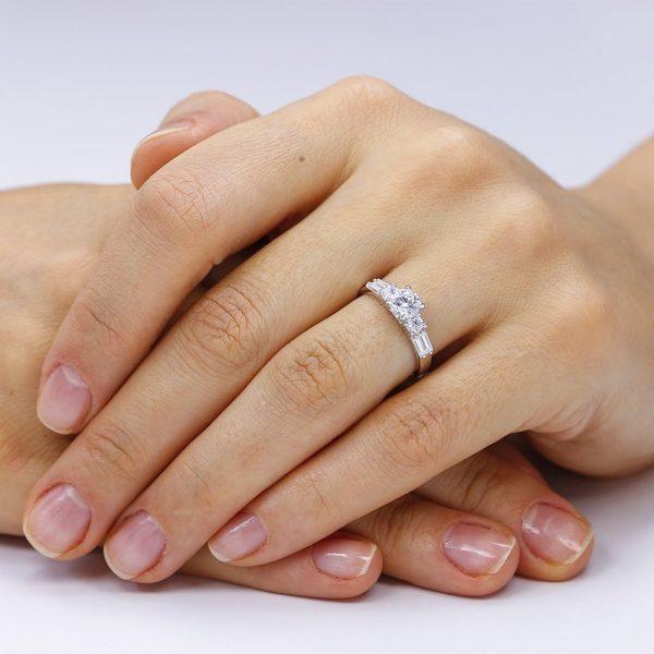 Inel de logodna argint cu 5 cristale Briliant & Bagheta TRSR030, Corelle