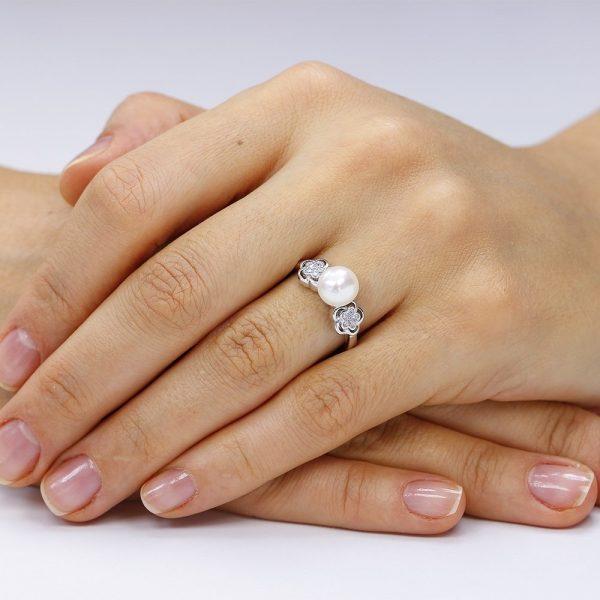 Inel argint Solitar cu perla si cristale TRSR054, Corelle