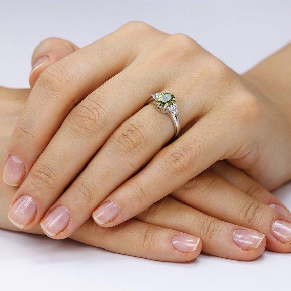 Inel argint Solitar Fancy cu cristale laterale/sant TRSR058, Corelle