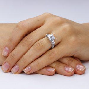 Inel de logodna argint White Princess cu 3 cristale mari TRSR086, Corelle