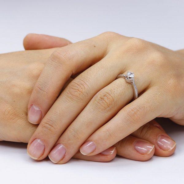Inel de logodna argint Solitar cu cristale laterale mici TRSR117, Corelle
