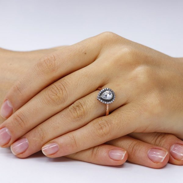 Inel de logodna argint Solitar cu cristale model Anturaj TRSR245, Corelle